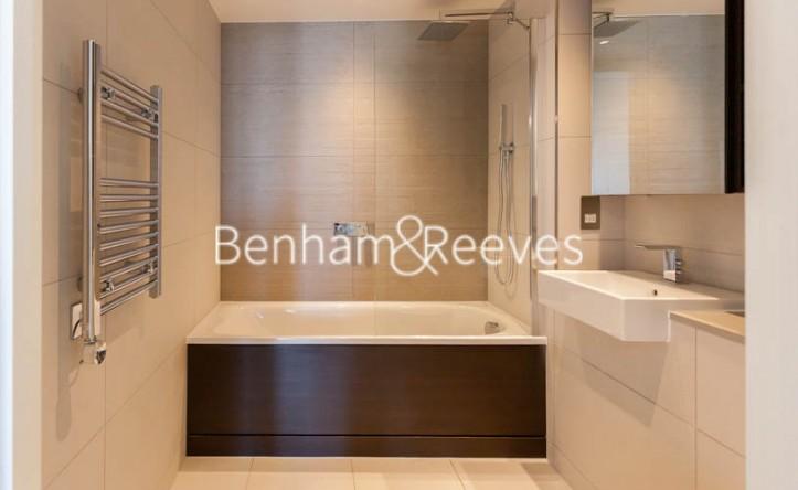 Studio flat to rent in Daneland Walk, Highgate N17