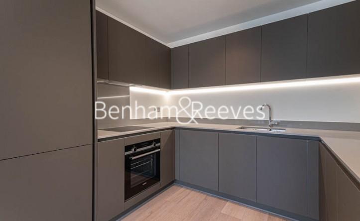 2 Bedroom flat to rent in Daneland Walk, Highgate, N17