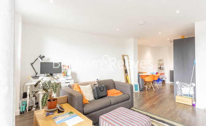 1 Bedroom flat to rent in 107 Woolwich High Street, Woolwich, SE18